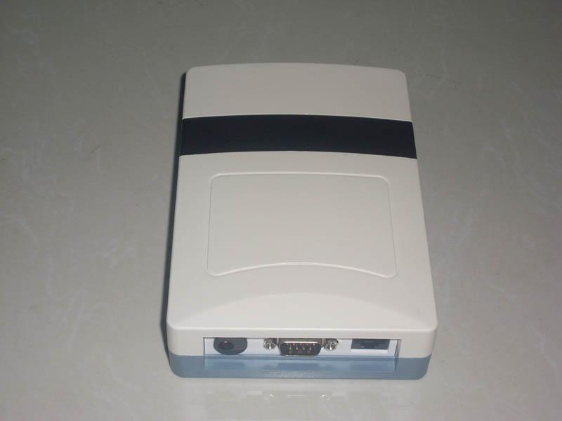供应RS232/韦根接口桌面式发卡器