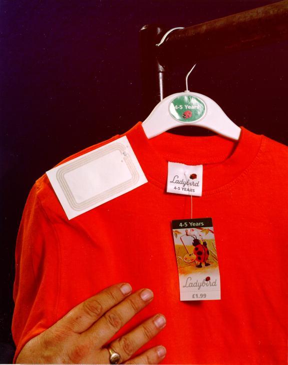 Impinj服装物流标签 F43